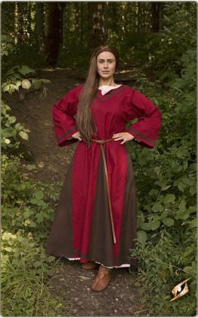 Verziertes Mittelalterkleid