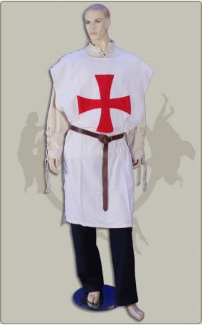 Waffenrockmit Kreuz