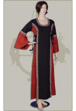 Edles Kleid mit Borte
