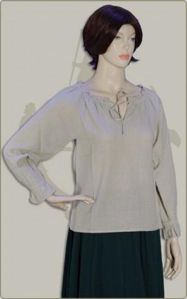 Schlichte Bluse mit langem Arm