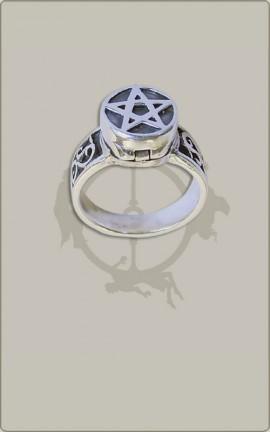Giftring mit Pentagramm